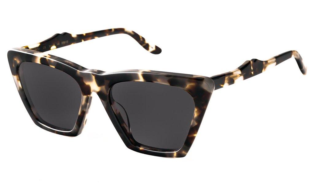 design senza tempo Regno Unito codici promozionali Illesteva Lisbon Sunglasses (White Tortoise)